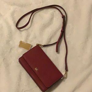 👜  NWT Michael Kors crossbody bag  👜